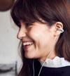"""ソニーの音響技術を活かした""""耳を塞がず音を楽しむ""""イヤホン『ambie sound earcuffs』 販売再開を発表"""