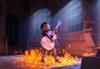 音楽を禁じられた少年が死者の国へと迷い込み… ディズニー/ピクサーの最新作『リメンバー・ミー』 新トレーラー映像が公開