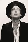 バリー・アンドリュースの息子 ザ・ヴェイルズのフィン・アンドリュースが初ソロ・アルバムを3月発売、新曲試聴可