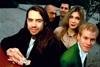 93年のヒット曲「ムムムム・・・・」から25年 クラッシュ・テスト・ダミーズがリユニオン・ツアー開催を発表