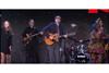 ジェイムス・テイラー、ウガンダとロサンゼルスの少年少女合唱団と共に演奏した「Shower The People」のライヴ映像公開
