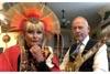 キング・クリムゾンのロバート・フリップと妻のトーヤ パフォーマンス・バトル映像公開
