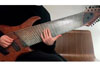 日本人ギタリストichika Nitoによる14弦ギターのパフォーマンス映像が話題に