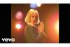 セイント・ヴィンセント 新曲「Pay Your Way In Pain」のミュージックビデオを3月4日22時公開
