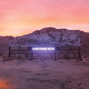 アーケイド・ファイアが新曲「Everything Now」のMVを公開、ダフト・パンクのトーマがプロデュース参加