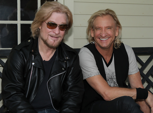 Stunning Daryl Hall & Joe Walsh 640 x 470 · 145 kB · jpeg