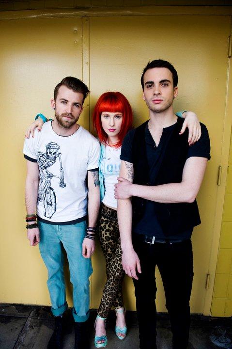 パラモア(Paramore)が「Ain't It Fun」のリミックス3ヴァージョンを公開
