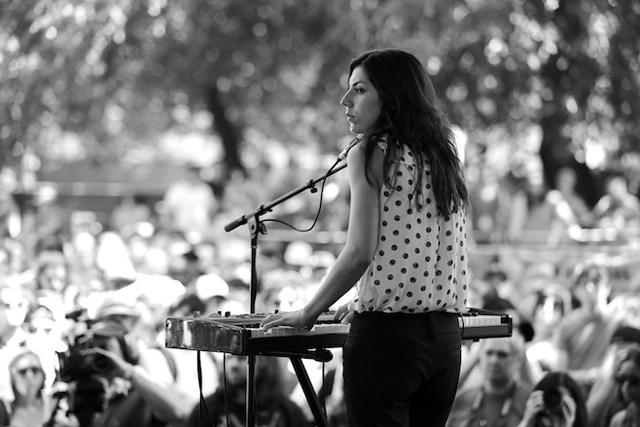 ジュリア・ホルター(Julia Holter) <Pitchfork Music Festival>のライヴ映像を公開