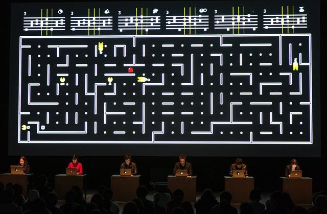 『パックマン』でスティーヴ・ライヒ「6台のピアノ」を表現、アート・パフォーマンス映像『Six Pacmen』がネットで話題に