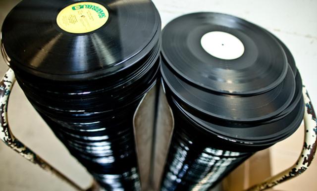 アナログ・レコードが出来上がるまでの様々な工程をThe Vinyl Factoryが写真付き解説、スタンパーからパッケージまで