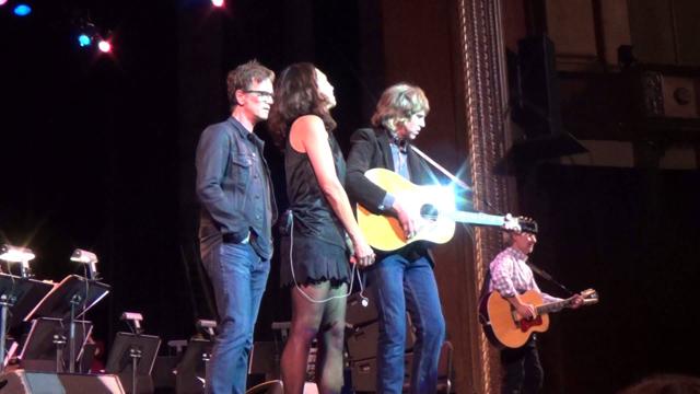 Susanna Hoffs (The Bangles), Dan Wilson (Semisonic), Pat Sansone (Wilco) & Chris Stamey (The dBs)
