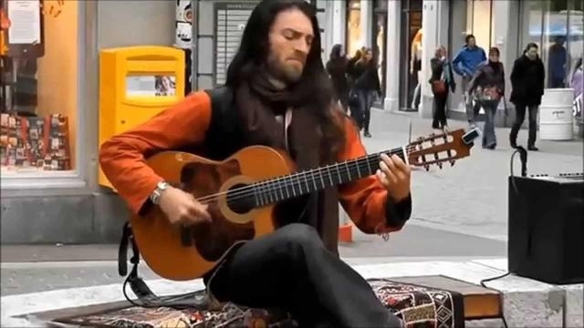 動画特集「世界の驚くべきストリート・ギタリスト TOP7」が話題に