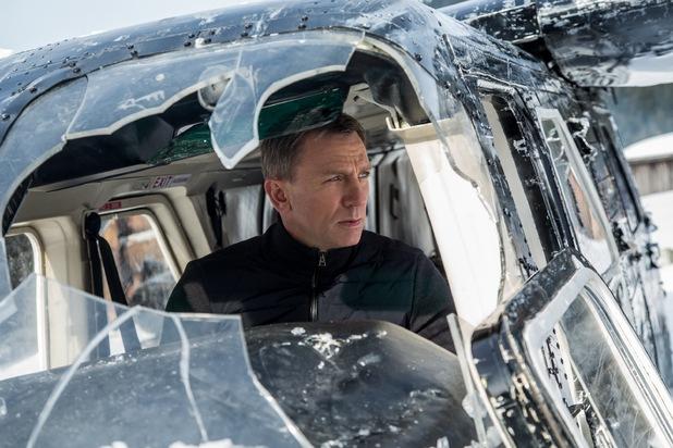 レディオヘッドが映画『007 スペクター』のために書いた楽曲を映画のOPシーンに貼り付けたマッシュアップ映像が話題に