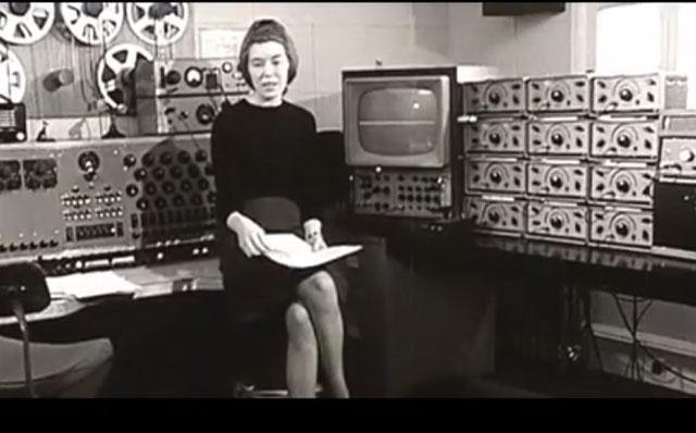 イギリス電子音楽の先駆者デリア・ダービーシャーがテープ編集でのサウンド・メイキングを解説した映像が話題に