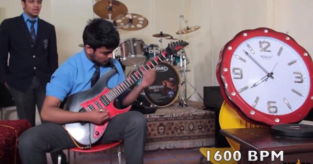 World Record: World's Fastest Guitar Player (1600 BPM!)