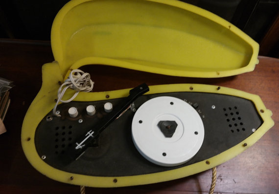 Vintage 1970s Electric Banana Portable Record Player Andy Warhol Velvet Underground