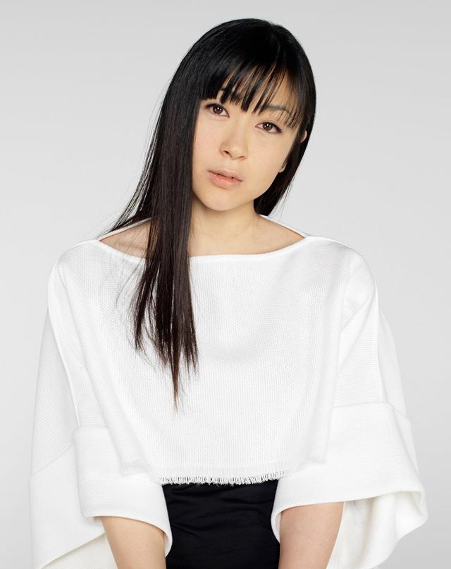 宇多田ヒカル「花束を君に」のシングル楽曲ダウン …