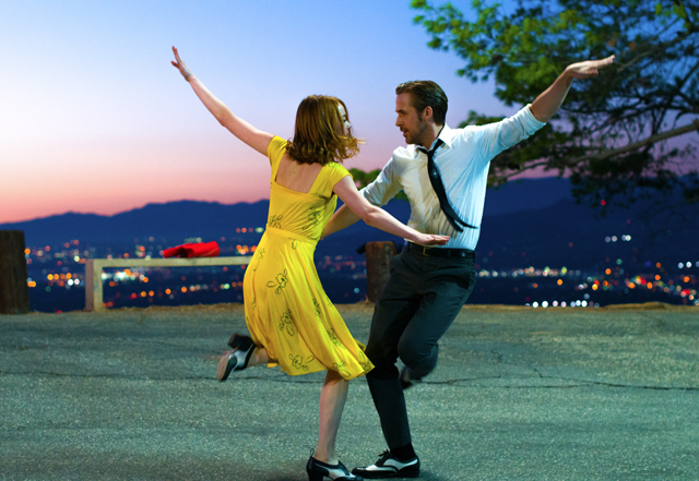 La La Land ©2017 Summit Entertainment, LLC. All Rights Reserved. Photo credit: EW0001: Sebastian (Ryan Gosling) and Mia (Emma Stone) in LA LA LAND.Photo courtesy of Lionsgate.