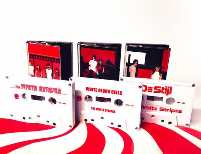 ホワイト・ストライプスの初期アルバム3タイトルが初カセットテープ化 - amass