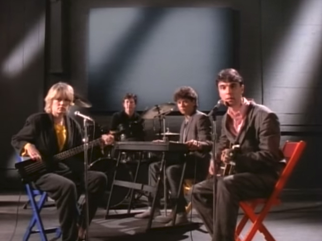 Talking Heads - The Lady Don't Mind (Official Video)