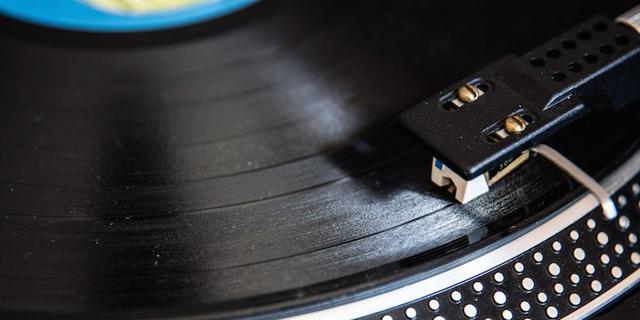 Vinyl Record Turntable