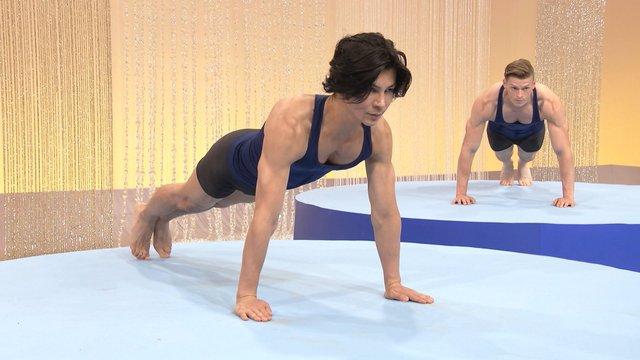 NHK『みんなで筋肉体操「腕立て伏せ」』(c)NHK