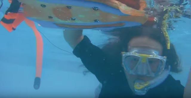 DragonForce Herman Li - Snorkeling Underwater Guitar Solo at Full Metal Cruise VII