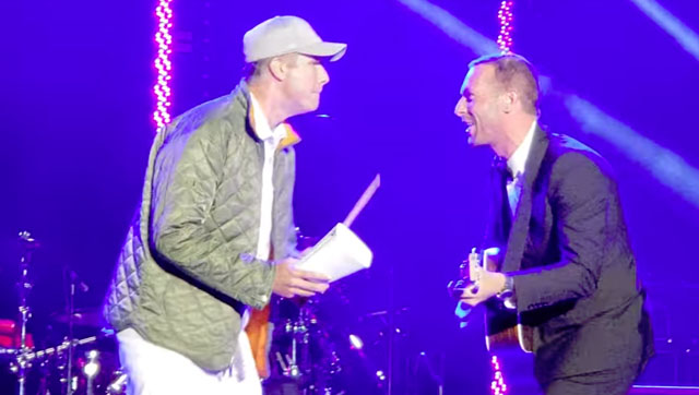 Coldplay's Chris Martin Perform With Will Ferrell on Cowbell