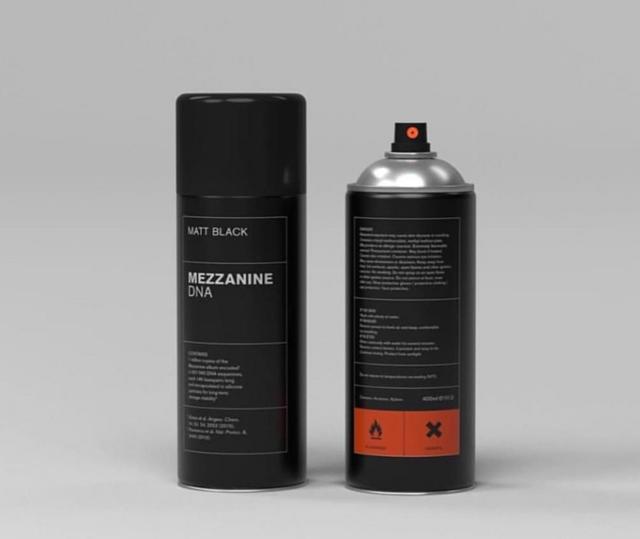 Massive Attack / Mezzanine [matt black spray paint can]