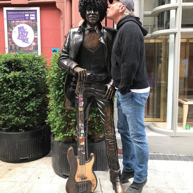 James Hetfield and the statue of Phil Lynott