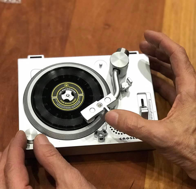 miniature 3-inch turntable