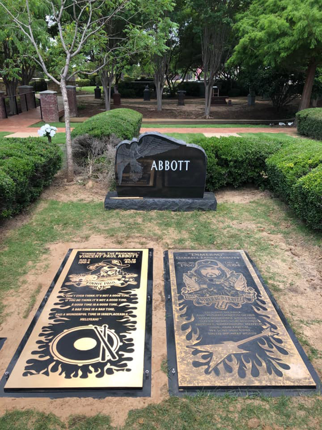 Vinnie Paul and Dimebag Darrell grave markers, via Facebook: Pantera