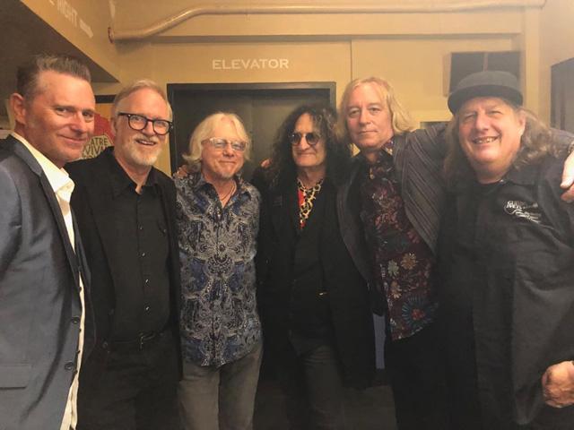 Tim Neilsen, Tom Gray, Mike Mills, Rick Richards, Peter Buck, Kevin Kinney  (photo via @lordmillsey)