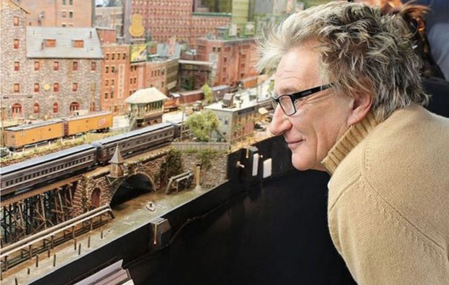Rod Stewart - Grand Street And Three Rivers City (c)STEVE CRISE/RAILWAY MODELLER