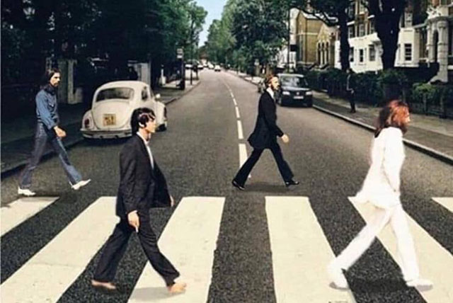The Beatles / Abbey Road - Social distancing