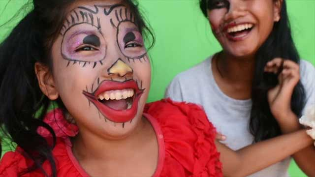 The Kids of Fish Island Community Arts Centre sing Iggy Pop's Monster Men