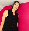 ステレオラブのレティシア・サディエール 5年ぶりのソロ・アルバムを2022年発売 新曲「New Moon」のMV公開