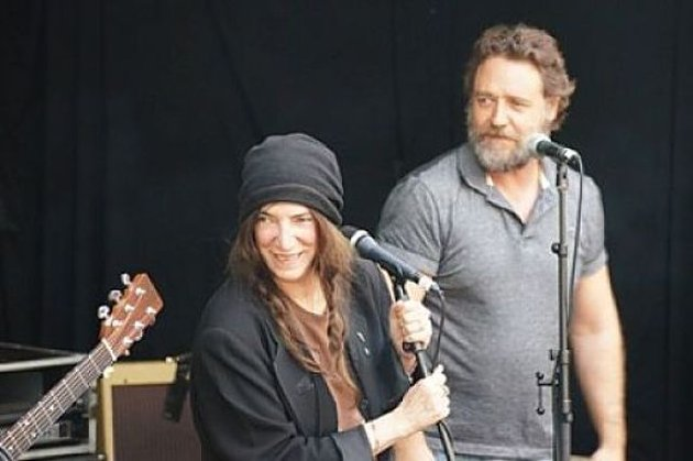 Patti Smith and Russell Crowe