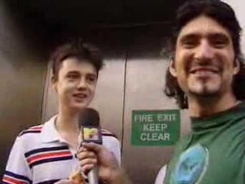 Peter Doherty queues for Oasis album - 1997
