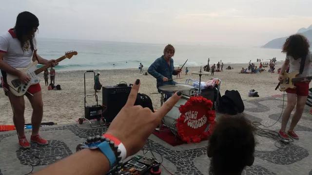 Beach Combers with Zak Starkey
