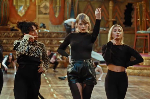 Taylor Swift in a behind the scenes look at Cats. (c)Universal Pictures