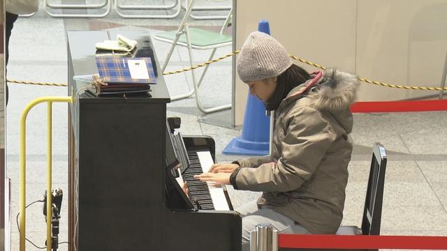 NHK『ドキュメント72時間「神戸 あの日のストリートピアノで」』(c)NHK