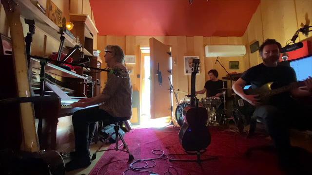 Neil, Liam and Elroy Finn