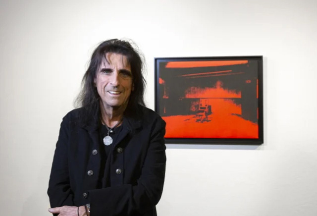 Alice Cooper + Little Electric Chair