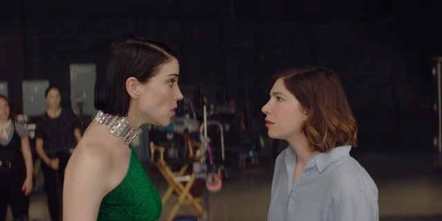 St. Vincent and Carrie Brownstein in Bill Benz's The Nowhere Inn (Courtesy of IFC Films. An IFC Film.)