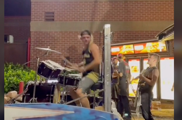 Metal Band On A Truck Blocks Wendy's Drive-Thru, So They Can Close On Time