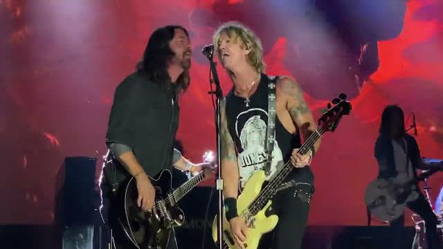 Guns N' Roses & Dave Grohl - Paradise City (Bottlerock 2021)